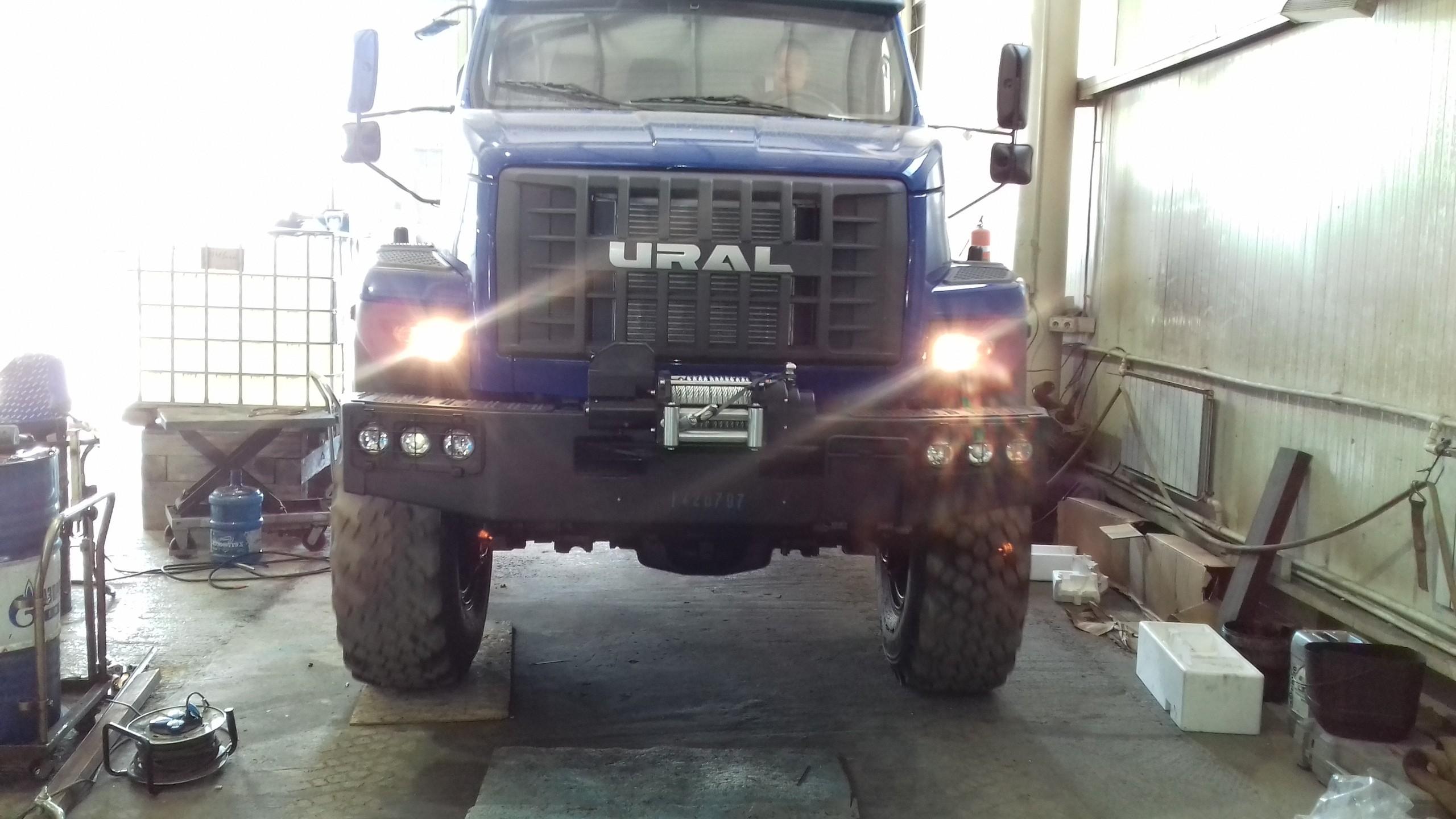 Установка передней электрической лебедки ЛПЭ 68И (6 800 кг) с полиспастом «Т-max» (12 000 кг)