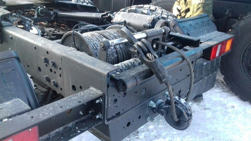 Установка лебедки задней механической