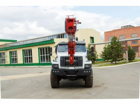 Автокран Челябинец КС-55732-28 на шасси Урал Next